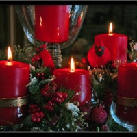 Red Christmas Candles Centerpiece