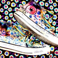 Scribble converse & psychedelic flowers